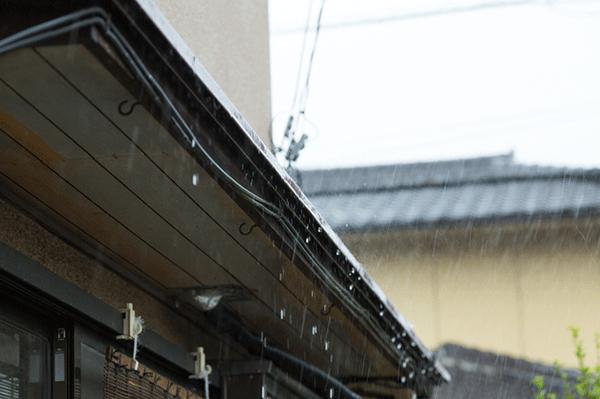 外壁塗装に適した季節、最適な時期っていつ?雨の影響は?